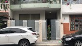 Police raid Van Huu Chien's home in Danang city. (Photo: Sggp)