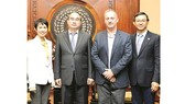 Secretary of the HCMC Party Committee Nguyen Thien Nhan receives Ms. Lee Soo Hooi, General Manager of Intel Products Vietnam (Intel Vietnam) and Prof. Jeffrey Goss, Assistant Vice Provost of the Arizona State University (ASU).  (Photo: Sggp)