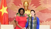 National Assembly Chairwoman Nguyen Thi Kim Ngan (R) receives WB Vice President for East Asia and Pacific Victoria Kwakwa in Hanoi on June 26 (Photo: VNA)