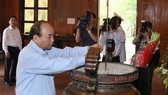PM pays tribute to late President, martyrs