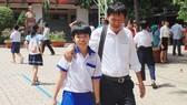 Thí sinh thở phào với đề thi vào lớp 6 Trường THPT chuyên Trần Đại Nghĩa
