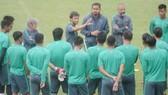 HLV Luis Milla đã chuẩn bị kỹ lưỡng cho màn thể hiện của đội bóng nước chủ nhà ở ASIAD 18. Ảnh: Reuters.