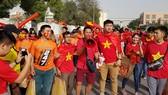 Những CĐV trung thành luôn sẵn sàng đồng hành cùng đội tuyển Việt Nam ở UAE.