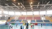 Nhà thi đấu đa năng tỉnh Kiên Giang được vận hành thử nghiệm tại Giải bóng chuyền hạng A toàn quốc 2019. Ảnh: PHÚC NGUYỄN