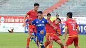 Bình Định và Tây Ninh bất phân thắng bại trên sân Quy Nhơn. Ảnh: Thanh Thọ