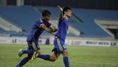 Văn Thuận tác giả 1 trong  bàn thắng của đội Bình Định rước Cần Thơ. Ảnh: Minh Hoàng