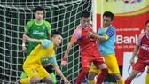 Vũ Quốc Hưng cùng đội Đà Nẵng giành chiến thắng bất ngờ 5-2 trước SS.Khánh Hòa. Ảnh: ANH TRẦN