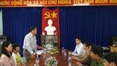 """Thiếu nữ đoàn tụ gia đình sau 4 năm bị hàng xóm bán vào """"động"""" massage ở Campuchia"""