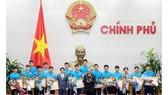 Thủ tướng Chính phủ Nguyễn Xuân Phúc khen thưởng Đội tuyển U23 Việt Nam tối 28-1. Nguồn: Cổng thông tin điện tử Chính phủ
