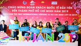 """Đoàn khách quốc tế đầu tiên """"xông đất"""" TPHCM năm mới 2019"""