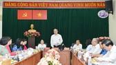 Bí thư Thành ủy TPHCM Nguyễn Thiện Nhân phát biểu tại buổi làm việc. Ảnh: VIỆT DŨNG