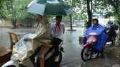 Từ 12 giờ trưa nay 24-11, học sinh TPHCM nghỉ học để tránh bão số 9