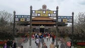 Tourists visit Hue Citadel (Source: VNA)