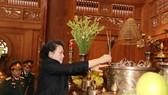 Chairwoman of the National Assembly Nguyen Thi Kim Ngan offered incense to late President Ho Chi Minh at the Da Chong (K9) historical relic site on March 3 (Photo: VNA)