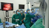Cho Ray hospital conducts robotic-assisted kidney transplant on living donor