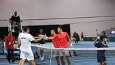 Vietnam team (right) and Kuwait in the Davis Cup's Group III Asia-Oceania Zone in Singapore. — (Source: thanhnien.vn )