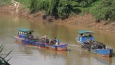 Authorities re-allow sand exploitation in Dong Nai River