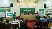"""Ban tổ chức chia sẻ tại buổi họp báo chương trình """"Nguyễn Hồng Sơn - Xanh trong trắng"""""""
