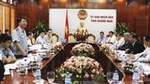 Buổi làm việc giữa Đoàn công tác liên ngành Bộ NN&PTNT và tỉnh Quảng Ngãi. Ảnh: NGUYỄN TRANG