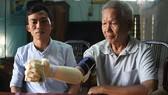 sinh viên chế tạo bàn tay robot