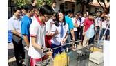 Mùa hè, trường học nên tổ chức nhiều sân chơi bổ ích, sáng tạo cho học sinh (Trong ảnh: Học sinh quận 1 tham gia sân chơi trải nghiệm sáng tạo)