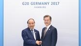 Thủ tướng Nguyễn Xuân Phúc tiếp xúc song phương các nhà lãnh đạo G20