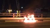 Nam thanh niên đốt xe máy, nhảy cầu Đồng Nai tự tử