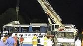Xe khách đâm xe tải trên đường cao tốc ở Trung Quốc, 18 người chết