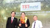 """TST Tourist 12 năm liên tiếp đạt giải thưởng """"Thương hiệu vàng"""""""