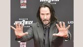 Keanu Reeves in dấu tay, chân tại Hollywood