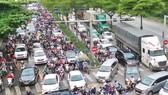Nút giao thông Nguyễn Hữu Thọ - Nguyễn Văn Linh, quận 7, TPHCM. Ảnh: HOÀNG HÙNG