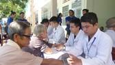Hoạt động khám bệnh từ thiện tại xã Hòa Tịnh