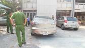 Công an khám nghiệm chiếc xe ô tô gây tai nạn