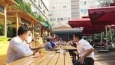 Điểm bán hàng ăn tập trung ở Công viên Bách Tùng Diệp thu hút nhiều thực khách