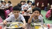Chuẩn hóa thực đơn bữa trưa cho học sinh bán trú ở Đồng Nai