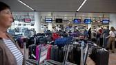 比利時布魯塞爾國際機場出現停電事故,導致機場工作暫停,航班延誤。(互聯網)