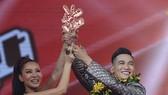 Ali黃洋在《2017年越南好聲音》的勝利時刻。(資料圖:互聯網)