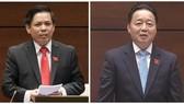 阮文體部長(左)與陳紅河部長答詢。