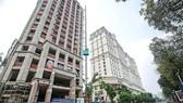 很多專家認為不能禁止建設高樓大廈,而必須增加準備基礎設施以 減少城市的堵車、超負荷情況。