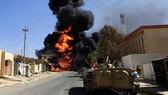 """阿富汗政府官員26日稱,以美國為首的聯軍日前在該國東部發動空襲行動,極端組織自稱的""""伊斯蘭國""""(IS)阿富汗分支的頭目連同其餘10人,在空襲中被炸死。(圖源:Pakistan News)"""