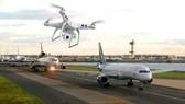 英國最大民用機場希思羅機場當地時間8日傍晚遭遇無人機侵擾,導致部分航班停飛、機場暫時性關閉,約3小時後逐步恢復正常。(示意圖源:互聯網)