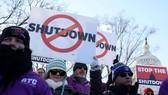 美政府僱員舉行集會籲結束政府關門。(圖源:AFP)
