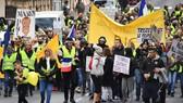 """當局預計抗議活動規模""""至少與上週一樣大"""",然而卻有超過80,000人參與。(圖源:AFP)"""