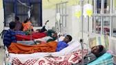 印度阿薩姆邦衛生部門23日證實,該邦假酒事件造成的死亡人數已上升至80人。其中,戈拉卡德縣醫院報告死亡45人,鄰近的焦爾哈德縣醫院報告死亡35人。(圖源:新華社)