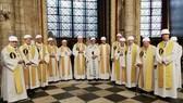 巴黎聖母院舉行大火後首場彌撒
