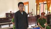 Người chồng trẻ dùng xăng tự thiêu để được chết cùng vợ
