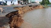 85m Quốc lộ 91 đổ sụp xuống sông Hậu