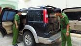 Xe ô tô chở 5 phách gỗ xoan đào bị cơ quan chức năng phát hiện, bắt giữ