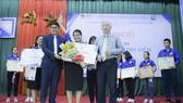 Thí sinh Ngô Thị Minh Tiên- Lớp 42K06.4CLC xuất sắc vượt qua 12 thí sinh để đạt giải Nhất hội thi