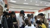 Đông đảo học sinh, sinh viên và người lao động đến tham gia ngày hội việc làm